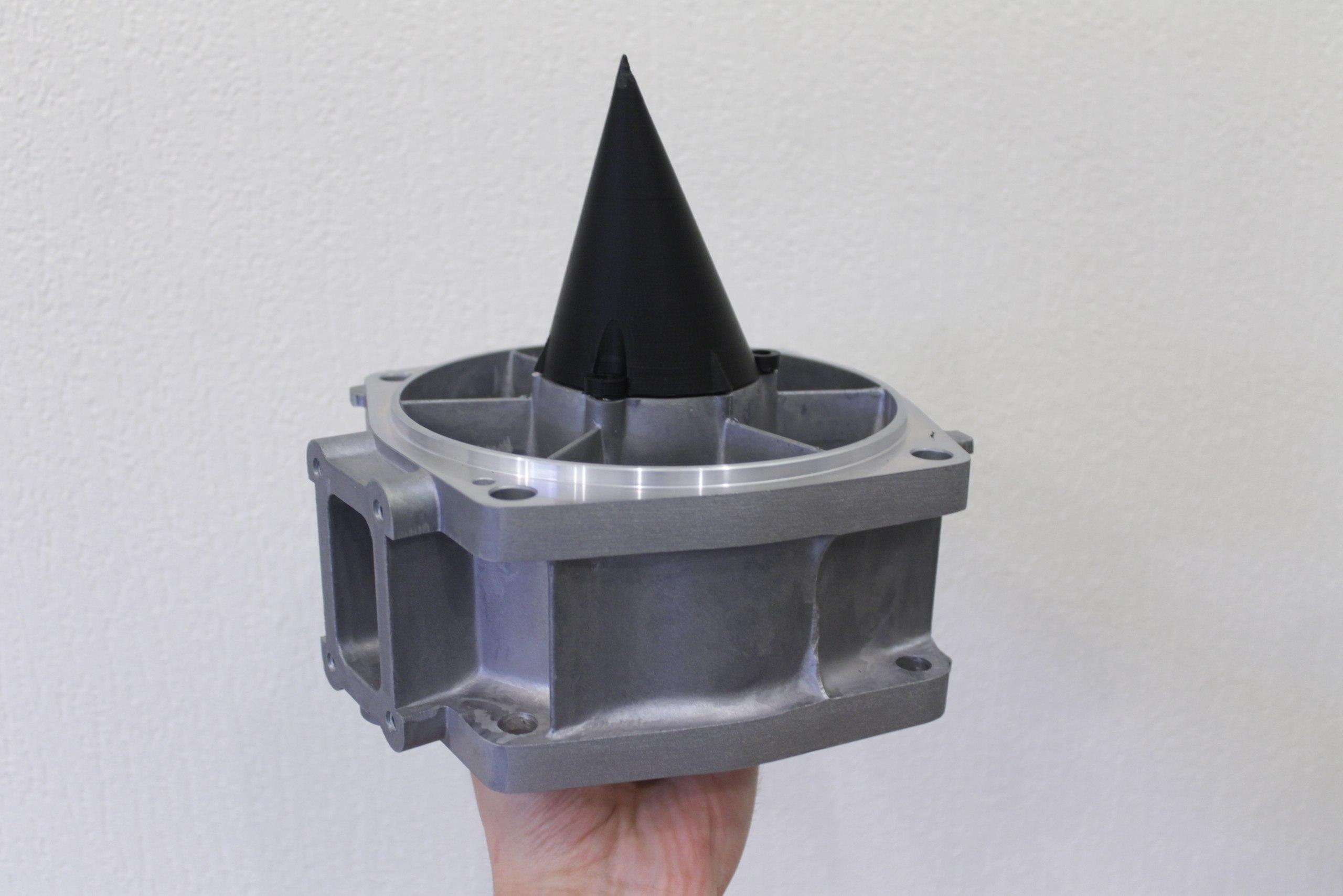 Антикавитационный конус из ABS пластика для двигателя гидроцикла.